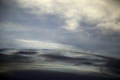 Skymning för molnig himmel royaltyfri bild