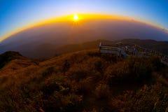 skymning för solnedgång för liggandenaturshow Royaltyfria Bilder
