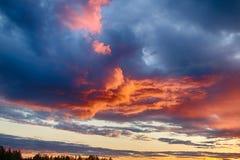 Skymning i Finland Arkivfoto