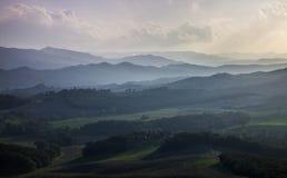 Skymning i Tuscany, Italien Royaltyfri Bild