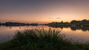 Skymning lake Royaltyfria Bilder