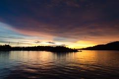 Skymning och solnedgång Arkivfoton