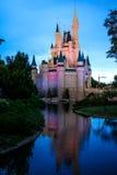 Skymning på det magiska kungariket, Orlando Florida Royaltyfri Fotografi