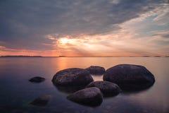 Skymning på havet Fotografering för Bildbyråer