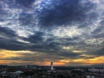Skymning på Johor Bahru i Malaysia arkivbild