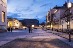 Skymning på Museumsquartieren av staden av Wien - Österrike Arkivfoto