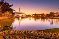 Skymning Rama 9 parkerar Thailand Arkivfoton