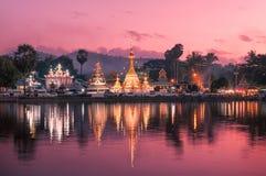 Skymning Tid på Wat Jong Klang och Wat Jong Kham Royaltyfri Fotografi