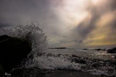Skymningavgörande in på hös strand Royaltyfria Foton