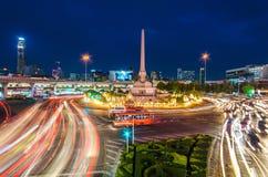 Skymningsikt på Victory Monument royaltyfria foton