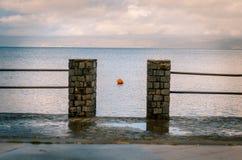 Skymt av sjön Bolsena arkivbilder
