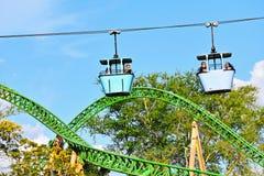 Skyride is een vervoersaantrekkelijkheid bij Busch-Tuinen Tampa Bay tijdens deze ervaring, pas royalty-vrije stock afbeeldingen