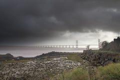Skys déprimés Severn Estuary Image stock
