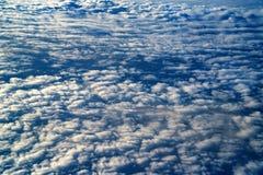 Skyscape που αντιμετωπίζεται από το αεροπλάνο Στοκ Εικόνες