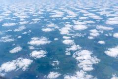 Skyscape осмотрело от самолета Стоковое Изображение