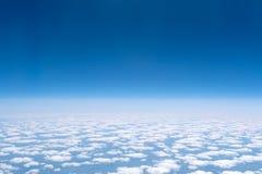 Skyscape beskådade från flygplanet Royaltyfria Foton