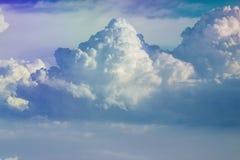 Skyscape con las nubes Foto de archivo libre de regalías