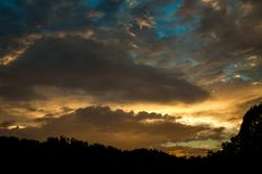 Skyscape på Roznow sjön, Polen Royaltyfri Fotografi