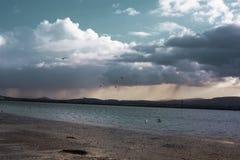 Skyscape preso dall'isola del toro a Dublino, Irlanda immagine stock libera da diritti