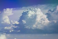 Skyscape z wielkimi chmurami Obrazy Stock