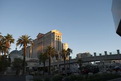 Skyscapers bij zonsopgang Caesars Palace van Las Vegas stock afbeelding