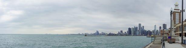 Skyscapers och skylin av Chicago och Lake Michigan från Milenniu Arkivbild
