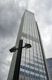 Skyscrapper y lámpara Fotografía de archivo