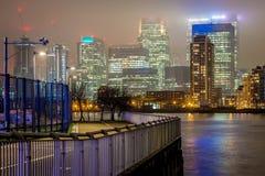Skyscrappers in de nacht, Londen Royalty-vrije Stock Foto's