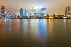 Skyscrappers in de nacht, Londen Stock Fotografie