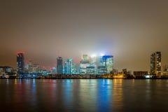 Skyscrappers en la noche, Londres Fotos de archivo