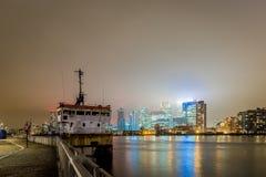 Skyscrappers en la noche, Londres Foto de archivo