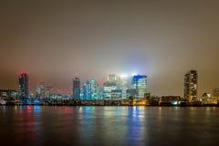 Skyscrappers pendant la nuit, Londres Photos libres de droits