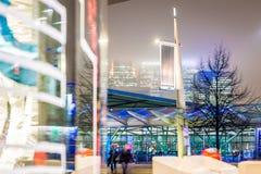Skyscrappers pendant la nuit, Londres Photographie stock libre de droits