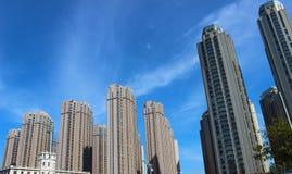 Skyskrapa i den tianjin staden Arkivfoto