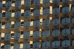 Skyskrapafönsterreflexioner arkivfoton