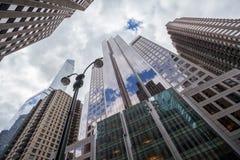 SkyskrapaNew York Midtown Manhattan Royaltyfri Foto