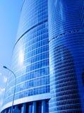 Skyskrapers de cristal azules fotos de archivo libres de regalías