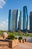 Skyskrapor i Abu Dhabi, UAE Royaltyfri Foto