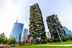 Skyskrapor i affärsområdet av Milan Royaltyfria Bilder