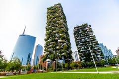 Skyskrapor i affärsområdet av Milan, Italien Royaltyfri Bild