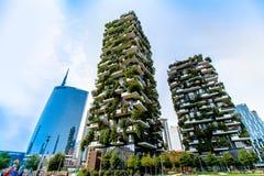 Skyskrapor i affärsområdet av Milan, Italien Royaltyfri Foto