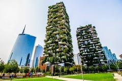 Skyskrapor i affärsområdet av Milan, Italien Arkivfoto
