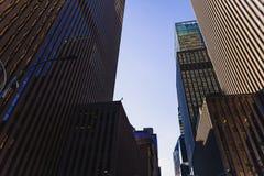 Skyskrapor i Manhattan, Times Square för nyc nästan på 46th Arkivbild