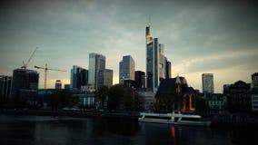 Skyskrapor i panorama för Frankfurt Tysklandarkitektur arkivfoton