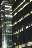 skyskrapor med ljus på kontoren vid natt, Bangkok, Thailand Fotografering för Bildbyråer