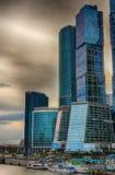 Skyskrapor på Moskvafloden stadsdag kremlin utomhus- moscow Arkivbild