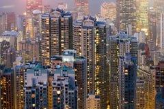 Skyskrapor på natten Royaltyfria Bilder