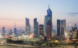 Skyskrapor som är i stadens centrum i Kuwait City Royaltyfria Bilder