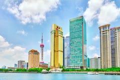 Skyskrapor stadsbyggnad av Pudong, Shanghai, Kina Arkivfoto