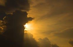 skysolnedgång Royaltyfria Bilder